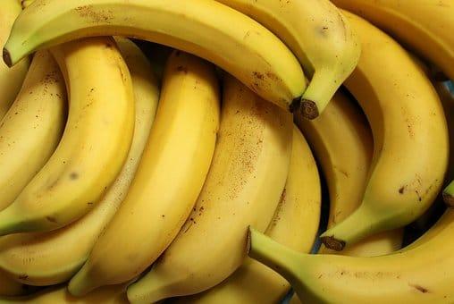 Can horses eat banana?